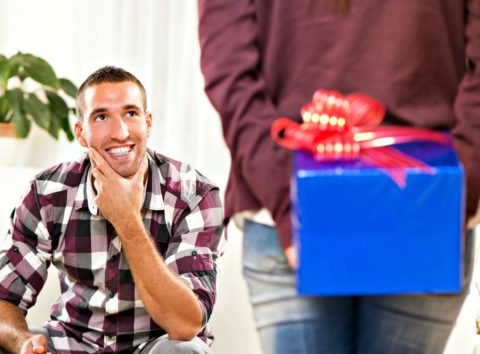 here is a list of 10 great gifts for men