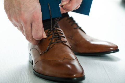 Examples of what colors of mens clothing to wear with a matching brown belt and shoes.