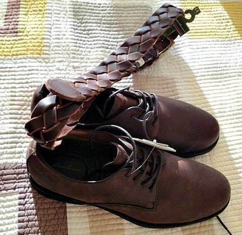 see what color belt  shoes to wear with different colors