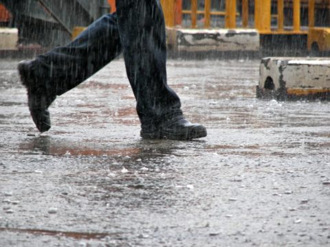 What shoes should you wear on rainy days? See my top 5 picks for mens rain shoes.