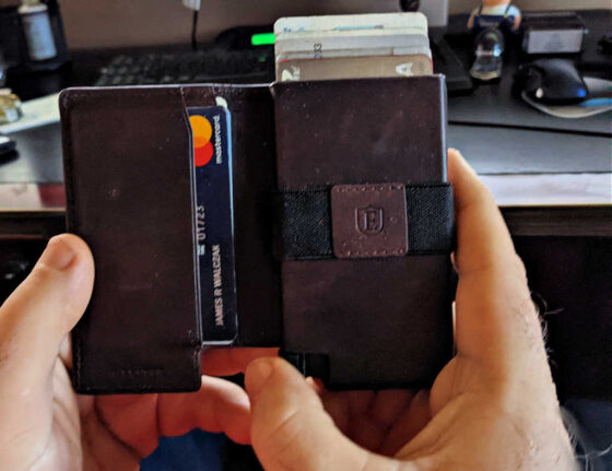 A closeup of the Ekster Parliament wallet - a slim, smart wallet. Here's my review...