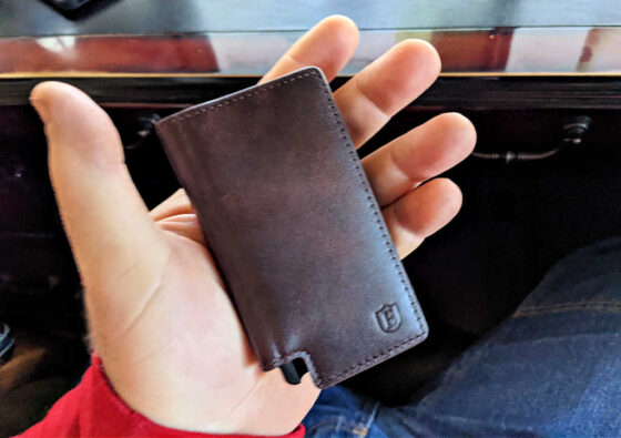 The Ekster wallet really is a slim wallet!